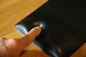 柔軟性のある体圧分散性能で、手首への負担軽減