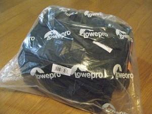 Loweproロゴのビニールの包み